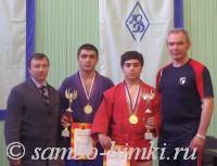 А. Ходырев (слева) и С. Казанцев со своими воспитанниками